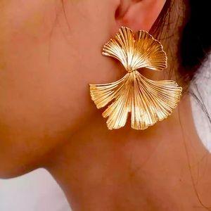🍒3/$30 New Zara Double Ginkgo Leaf Earrings